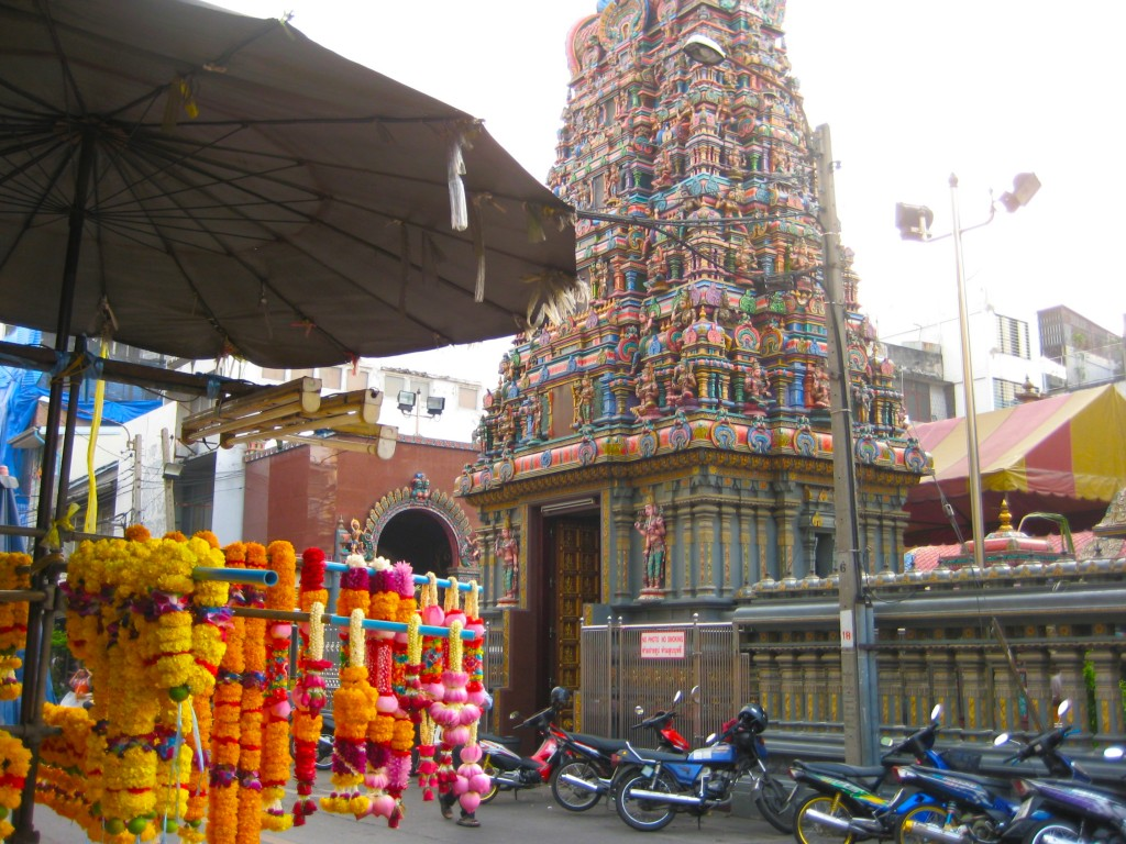 храм Сри Маха Мариамман